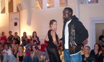 16_yoshi_and_kyra_looking_cool_in_the_fashion_show.jpg